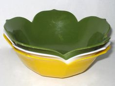 Set of 3 Vintage Plastic LOTUS Serving BOWLS Green by curiouskitty