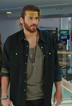 Turkish Men, Turkish Beauty, Turkish Actors, How To Look Handsome, Handsome Boys, Hades And Persephone, Small Tattoos For Guys, Good Looking Men, Beard Styles