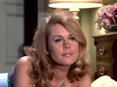 Elizabeth Montgomery didn't actually twitch her nose to cause Samantha's magic to occur; she twitched her upper lip, causing her nose to follow.