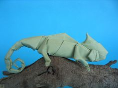 Chameleon 2 by Quentin Origami, via Flickr