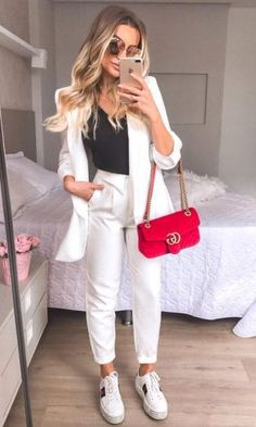 10 outfits con tenis para salir en la noche - Mujer de 10 Formales 10 outfits con tenis para salir en la noche - Mujer de 10 The Effective Pictures We Offer You About autumn outfits women col Mode Outfits, Fall Outfits, Fashion Outfits, Womens Fashion, Party Outfits, Night Outfits, Cute Casual Outfits, Stylish Outfits, Elegantes Outfit Frau