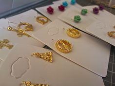 Jewelery, earings, my job, made by me. - Bijuterias, brincos,meu trabalho, feitos por mim.