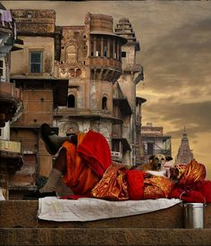Take a break and relax! A priest at the Yamuna Ghat, Varanasi, India!  Do tell us what you think about this picture in comments below! And if you wish to visit the oldest living city of the world, call us at 1-877-763-7444 or email us at info@expedition2.com.   To book your tour NOW, CLICK: https://expedition2india.com/group-tours/spirit-of-india-tour  #India #Varanasi #YamunaGhat #oldestlivingcity #travel #trip #tour #yolo #usa #UCLA