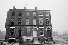 From 1969 to photographer Nick Hedges took pictures of life in Liverpool. Nick was hired by housing charity Shelter to travel round England and Scotland… Liverpool Life, Liverpool History, Liverpool England, Old Pictures, Old Photos, Birmingham, Victorian Terrace House, Uk History, Slums
