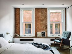 Tribeca Loft is a project of transformation conceived by New York-based ODA Architecture. Situated on a cobblestone street in TriBeCa . New York Loft, Bedroom Interior, House Design, Tribeca Loft, Residential Interior, Interior Design Bedroom, New York Penthouse, New York Apartments, Urban Living