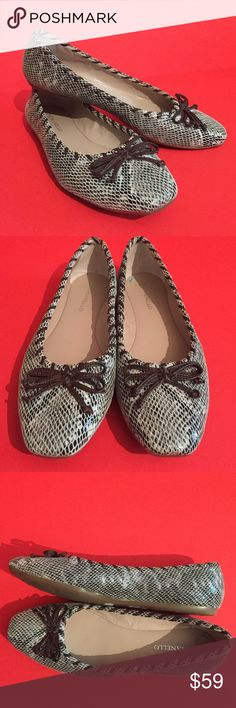 Cute Tignanello flats Sz 8 !! Tignanello Black brown and white flats with bows and whipstitching.Size 8. Excellent condition. See photos for details. Tignanello Shoes Flats & Loafers