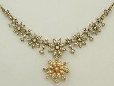 Antique Victorian Pearl and 15 ct Yellow Gold Necklace with Pendant / Brooch