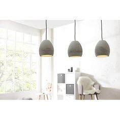 Une lampe suspendue-ensemble de 3 lampes- conçue de béton dans l'artisanat à haute qualité, apporte une atmosphère de fraîcheur et d'originalité à votre inté...