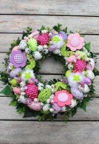 http://www.kuferdekoracji.pl/380826/wianek-wielkanocny-z-kwiatkami-dekoracje-wielkanocne-ozdoby-na-wielkanoc