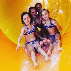 Les vacances sont synonymes de plaisirs aquatiques #eau #enfants #jeux…