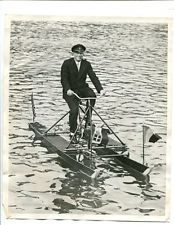 1931 Press Photo Count Felix Von Luckner Mackinac Island Michigan Water Bicycle