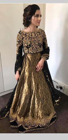 Shadi Dresses, Pakistani Formal Dresses, Pakistani Dress Design, Indian Dresses, Pakistani Clothing, Pakistani Fashion Party Wear, Pakistani Wedding Outfits, Bridal Outfits, Wedding Hijab