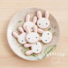Here's Easter Bunny cookie recipe & an exhaustive list of best decorated Easter bunny cookies. Check cute Easter bunny cookies pictures and inspire yourself Easter Bunny Cookies Recipe, Easter Bunny Cake, Bunny Party, Easter Party, Bunny Birthday Cake, Bunny Cakes, Easter Tree, Birthday Cookies, Cookie Decorating