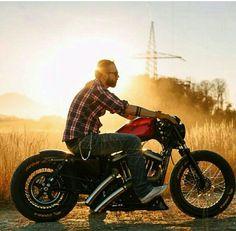 Harley Davidson News – Harley Davidson Bike Pics Harley Davidson Sportster, Harley Davidson Custom Bike, Hd Sportster, Harley Davidson Chopper, Motos Bobber, Bobber Motorcycle, Bobber Chopper, Cool Motorcycles, Vintage Motorcycles