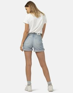 This stretch fabric comes from Royo in Valencia. Vintage Shorts, Slow Fashion, Ethical Fashion, Minimal Fashion, Timeless Fashion, Jeans, Denim Shorts, Fair Trade Fashion, Bikini