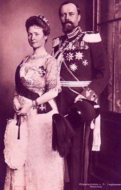 Leopold IV Fürst zur Lippe (1871-1949) et sa première épouse, née princesse Bertha de Hesse-Philippsthal-Barchfeld (1874-1919)