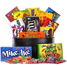 The Sweet Tooth Candy Basket - Gifts And Gift Baskets For All Occasions Candy Gift Baskets, Gourmet Gift Baskets, Gourmet Gifts, Candy Gifts, Charleston Chew, Halloween Gift Baskets, Candy Bouquet Diy, Junior Mints, Mike And Ike