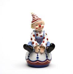 6.75 Inch Clown Sitting on Ball Ceramic Figurine U$45