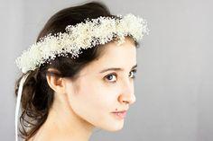 """""""Fleurs à cheveux, Couronne de fleurs mariée: Lumina (gypsophile) est une création orginale de NuageColore sur DaWanda"""