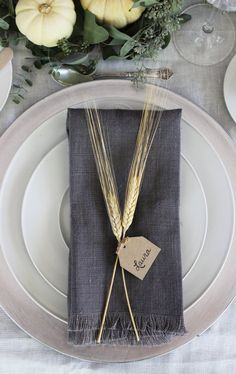 Wheat place card. Simple and elegant place cards that are perfect for Thanksgiving or any holiday table.
