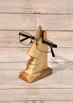 Decorative handmade stand for eyeglasses by JareksWoodworks