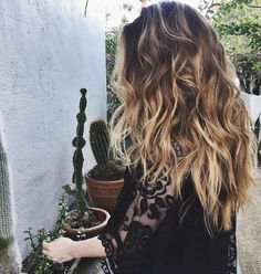 """3,133 Likes, 20 Comments - KRISTIN ESS HAIR (@kristin_ess) on Instagram: """"there are beach waves in the desert and I am here for all of it. ✋🏼"""""""