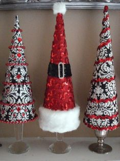 black red white christmas cone trees by SusieAnneie Types Of Christmas Trees, Cone Christmas Trees, Christmas Tree Crafts, Christmas Projects, Christmas Traditions, Holiday Crafts, Christmas Holidays, Christmas Ornaments, White Christmas