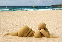 Sculpture by the Sea 2010 in Sydney: outdoor art exhibition on a beach in Australia Sea Sculpture, Outdoor Sculpture, Outdoor Art, Sculpture Romaine, Art Pierre, Pop Art Drawing, Recycled Art, Land Art, Beach Art
