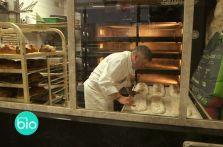 Filière Bio en vidéo Du blé bio au pain bio, exemple avec un meunier bio en Ile de France et un artisan-boulanger bio à Paris. Le travail traditionnel de ces professionnels confère à leurs produits des qualités nutritionnelles supérieures. Ils nous parlent de leurs métiers dans cette petite vidéo…