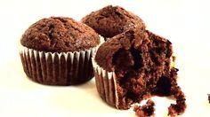 Простые шоколадные маффины с шоколадной крошкой - рецепт приготовления, состав, ингредиенты. Пошаговый видео рецепт как приготовить простые шоколадные маффины.