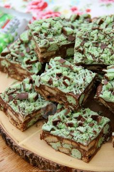 Quick, Easy, and Delicious Mint Aero Rocky Road. Chocolate Traybake Filling with Biscuits and Oodles of Mint Aero Goodness! I utterly adore Mint Aero Bubbles. Like, if someone gave me the bag, I would happily finish it within minutes (and thats being slow). My No-Bake Mint Aero Cheesecake recipe that I posted recently made me realise that you all utterly adore the delicious treat too! Therefore, another Mint Aero related recipe simply HAD to happen. Hello, Mint Aero Slice. I wasn't entirely…
