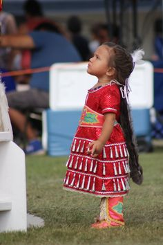 Native American Models, Native American Wedding, Native American Children, Native American Regalia, Native American Pictures, Cultures Du Monde, Jingle Dress, Pretty Baby, Historical Clothing