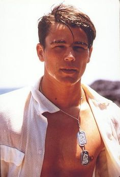 Josh Hartnett- just in case anyone else had forgotten how cute he was during his Pearl Harbor days Josh Hartnett Pearl Harbor, Pearl Harbor Film, Pretty People, Beautiful People, Raining Men, Good Looking Men, Famous Faces, Gorgeous Men, Celebrity Crush