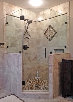 vanity butted to shower Tiny House Bathroom, Bathroom Renos, Small Bathroom, Master Bathroom, Shower Remodel, Bath Remodel, Neo Angle Shower, Bathroom Design Luxury, Tile Ideas