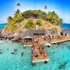 Crab Cay in San Andres and Providencia, Colombia. Best Honeymoon, Honeymoon Destinations, Oh The Places You'll Go, Places To Travel, Wonderful Places, Beautiful Places, Travel Around The World, Around The Worlds, Colombia Travel
