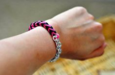 Add some elegance to your Rainbow Loom patterns with this chic tutorial. With this Classy Chain Rainbow Loom Bracelet, you'll learn how to add a silver chain to your Rainbow Loom designs. Loom Band Bracelets, Loom Bracelet Patterns, Rubber Band Bracelet, Rainbow Loom Bracelets, Loom Bands, Bracelet Designs, Loom Love, Fun Loom, Rainbow Loom Tutorials