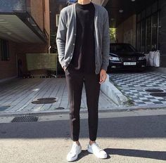 Raddestlooks: The Best Men's Fashion Outfit Collection. The inspiration that you need. Streetwear Summer, Streetwear Mode, Streetwear Fashion, Urban Apparel, Boy Fashion, Mens Fashion, Asian Men Fashion, Fasion, Fashion News