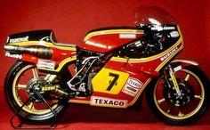 "Makoto ""Big Mac"" Suzuki, a member of the team behind the legendary Suzuki Grand Prix bike, reveals the secrets of this very successful machine. Motorcycle Racers, Racing Motorcycles, Vintage Motorcycles, Suzuki Motorcycle, Motorcycle Art, Grand Prix, Suzuki Carry, Suzuki Bikes, Texaco"
