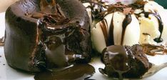 Φτιάξε το πιο νόστιμο σουφλέ σοκολάτας! Ξέρουμε ότι η σοκολάτα έχει πολλές ευεργετικές ιδιότητες : βελτιώνει την καρδιακή λειτουργία, βοηθάει στην αντιγήρα