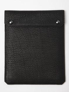 http://www.oki-ni.com/clearance/parabellum-bison-leather-ipad-portfolio/invt/pbm1004blk