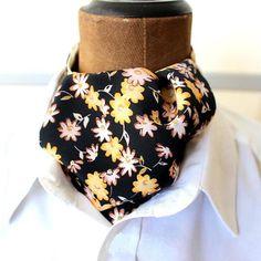 KrawattenschalAscotschwarz-gelb-geblümt von pinkmagnolia2303