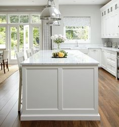 22 Trendy kitchen remodel white and grey granite Kitchen Island Bench, New Kitchen Cabinets, Wall Cabinets, Granite Kitchen, White Cabinets, Shaker Style Kitchens, Home Kitchens, Shaker Kitchen, Kitchen White