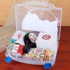 berlebenskoffer f r die frau ab 30 geburtstagsgeschenke pinterest zum 30 geburtstag. Black Bedroom Furniture Sets. Home Design Ideas