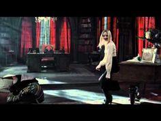 Sombras tenebrosas (Dark shadows) - Trailer en español HD - YouTube