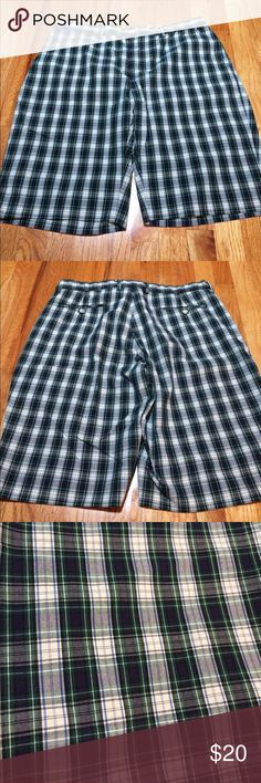 Men's Polo Ralph Lauren plaid shorts, size 38. Men's Polo Ralph Lauren plaid flat front shorts, size 38. Polo by Ralph Lauren Shorts