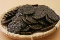 Musta seesami riisiküpsis - senbei