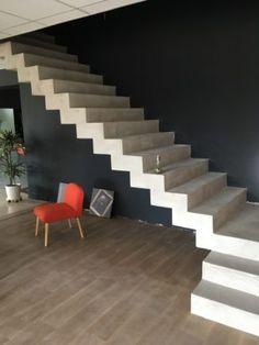 Staircase Interior Design, Luxury Staircase, House Staircase, Balcony Railing Design, Home Interior Design, House Outside Design, House Gate Design, Home Decor Hooks, Concrete Staircase