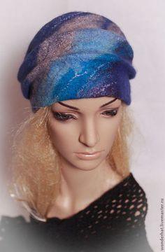 Купить или заказать Шапочка 'Северное сияние' в интернет-магазине на Ярмарке Мастеров. Уютная теплая шапочка с декоративными складками. Украшена рисунком из шерсти, волокон шелка и вискозы. Возможны любые цветовые решения. Nuno Felting, Needle Felting, Wool Art, Winter Hats, Fedora Hat, Berets, Sombreros, Felting