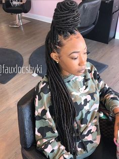 Shaved Side Hairstyles, Faux Locs Hairstyles, Protective Hairstyles For Natural Hair, Black Girl Braided Hairstyles, Black Girl Braids, African Braids Hairstyles, Girls Braids, Girl Hairstyles, Hair