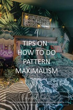 4-tips-how-to-do-pattern-maximalism Eclectic Bathroom, Eclectic Living Room, Diy Projects On A Budget, Easy Diy Projects, Green Lounge, Maximalist Interior, Jungle Bedroom, Dark Blue Living Room, Interior Styling